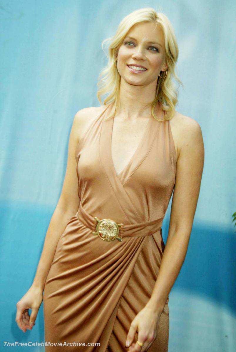 pictures of amy smart fully naked