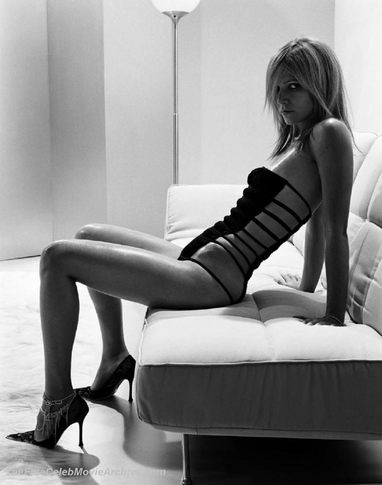 Gwyneth paltrow fully naked
