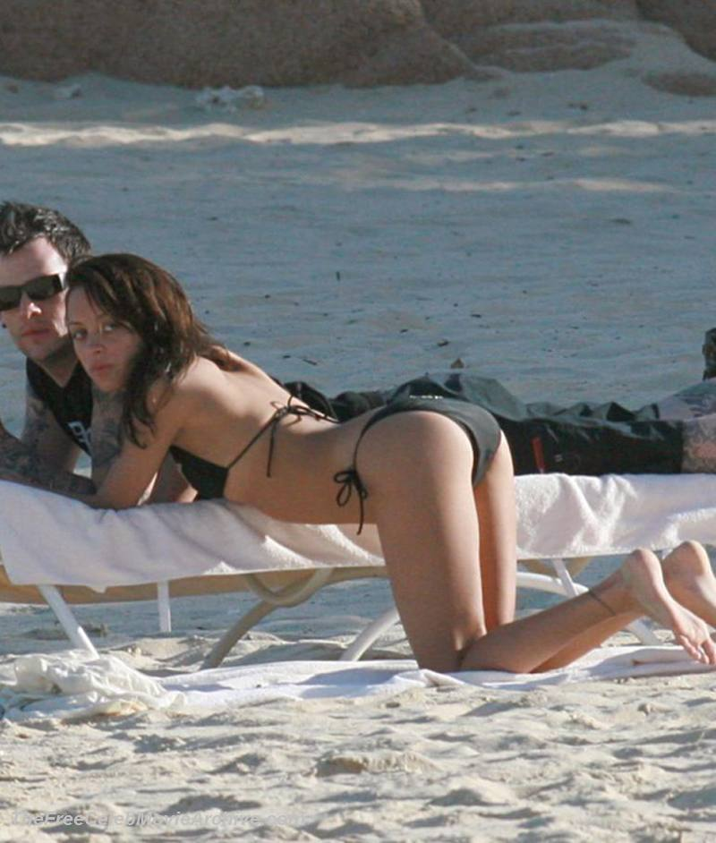 Nicole nude skinny richie