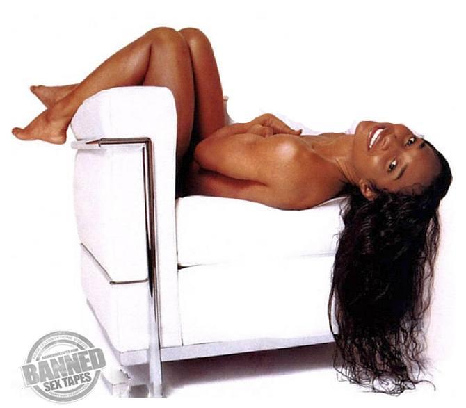 Aisha Tyler Nude Allure 32