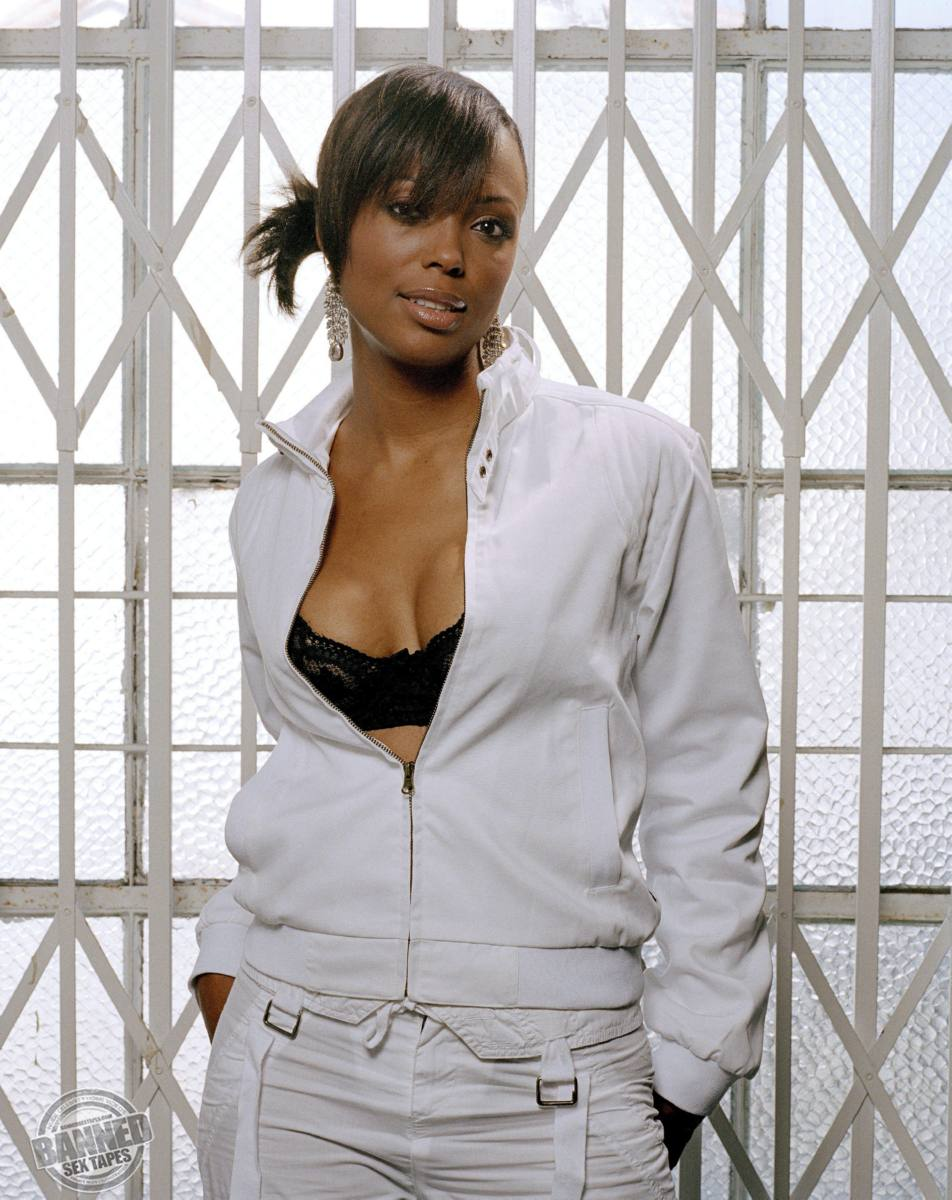 Aisha tyler nakes pictures petite