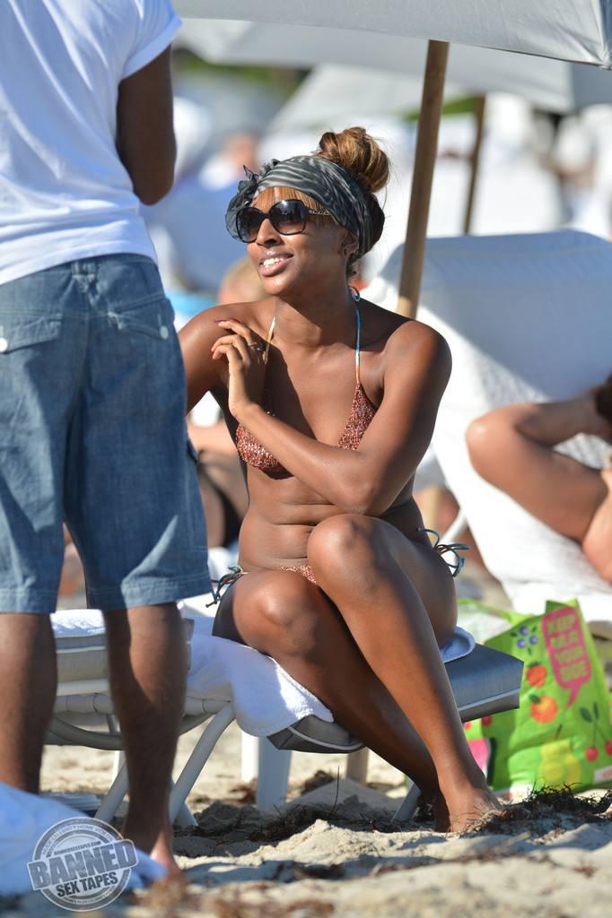 fakes nude Alexandra burke