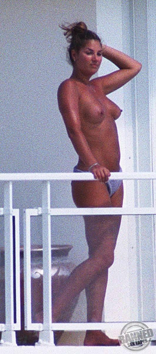 Daisy Fuentes Naked 26