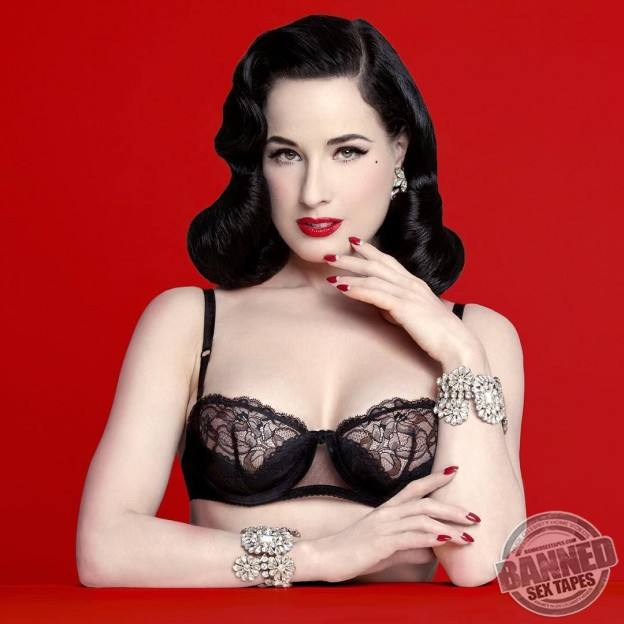 Dita Von Teese Naked Pictures 62