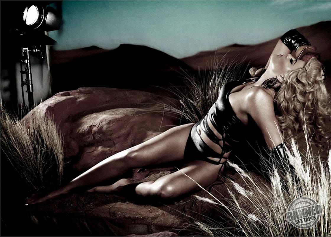 top celebs kardashian nude Khloe