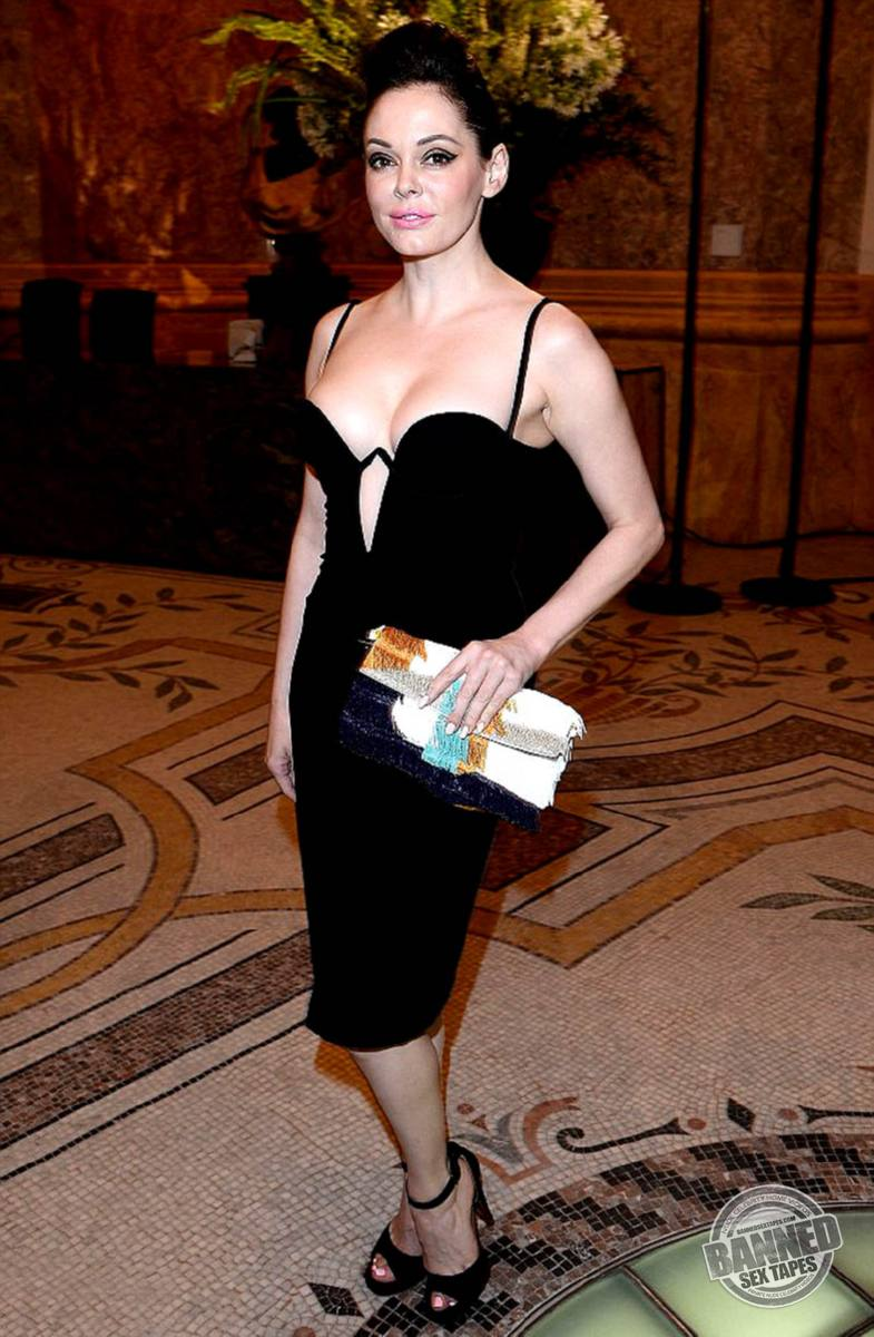 naked pictures of rose mcgowan