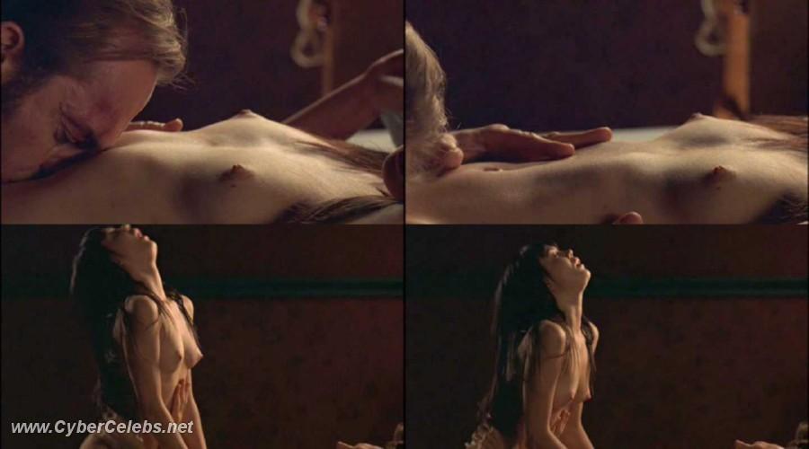 Emma Lung Nude 44