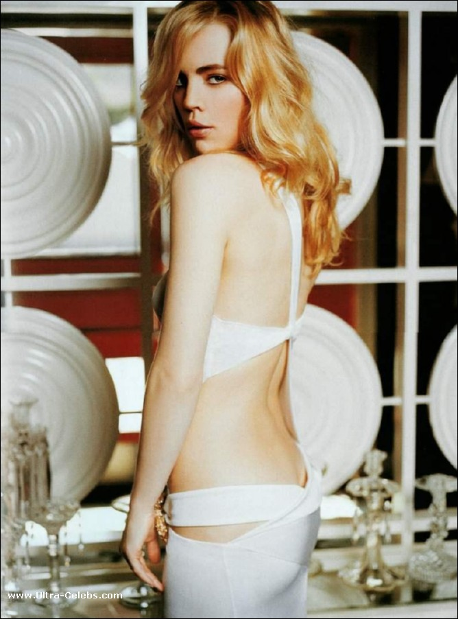 Melissa George Topless Vidcaps And Sexy Posing Pics Nude Pictures: www.ultra-celebs.com/pictures/melissa-george/melissa_13390.html