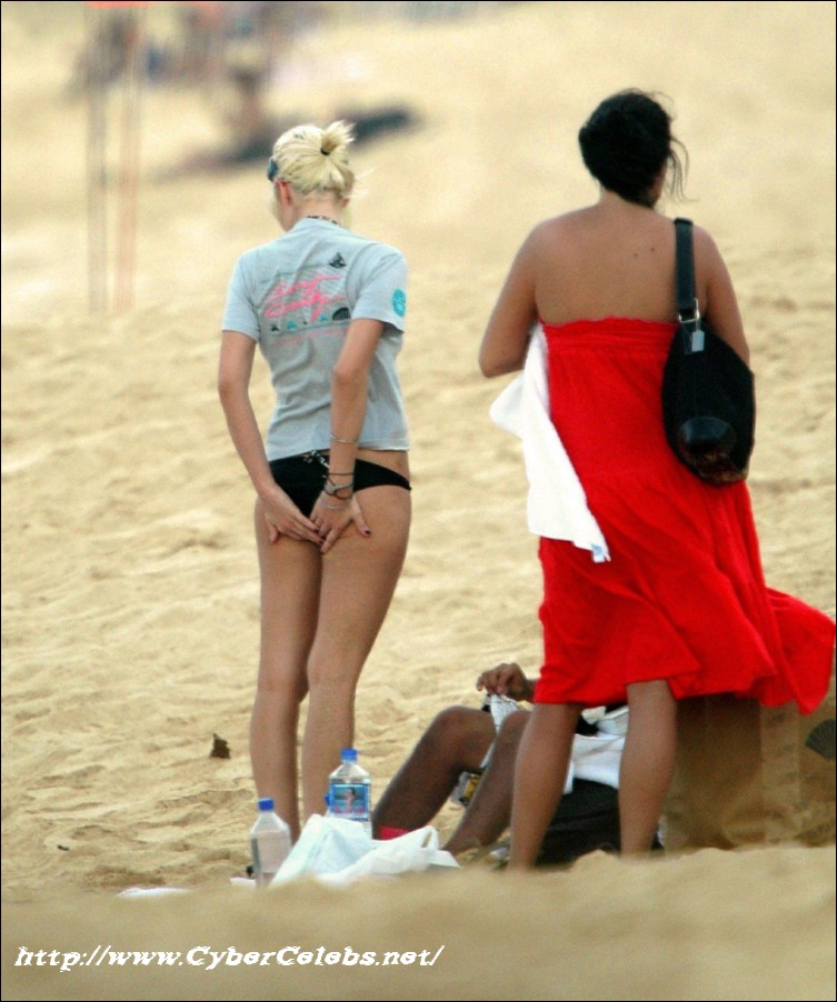 Ashlee Simpson nude pictures @ Ultra-Celebs.